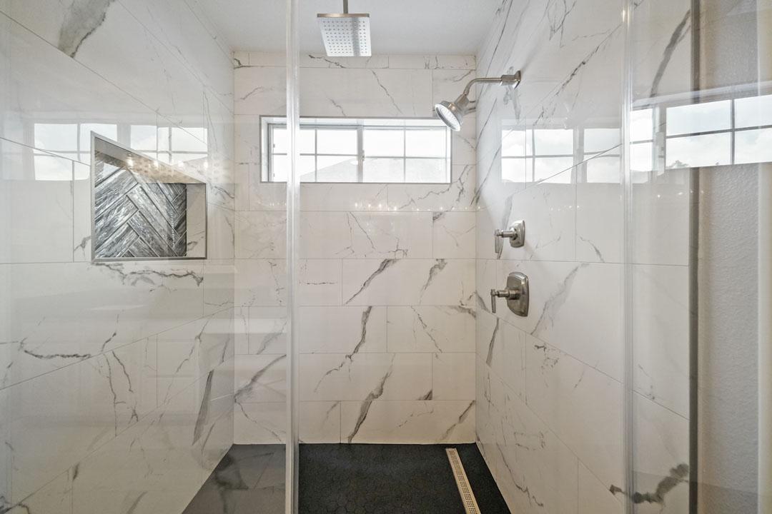 1430 W 24th St - Bathroom Remodeling Shower Door