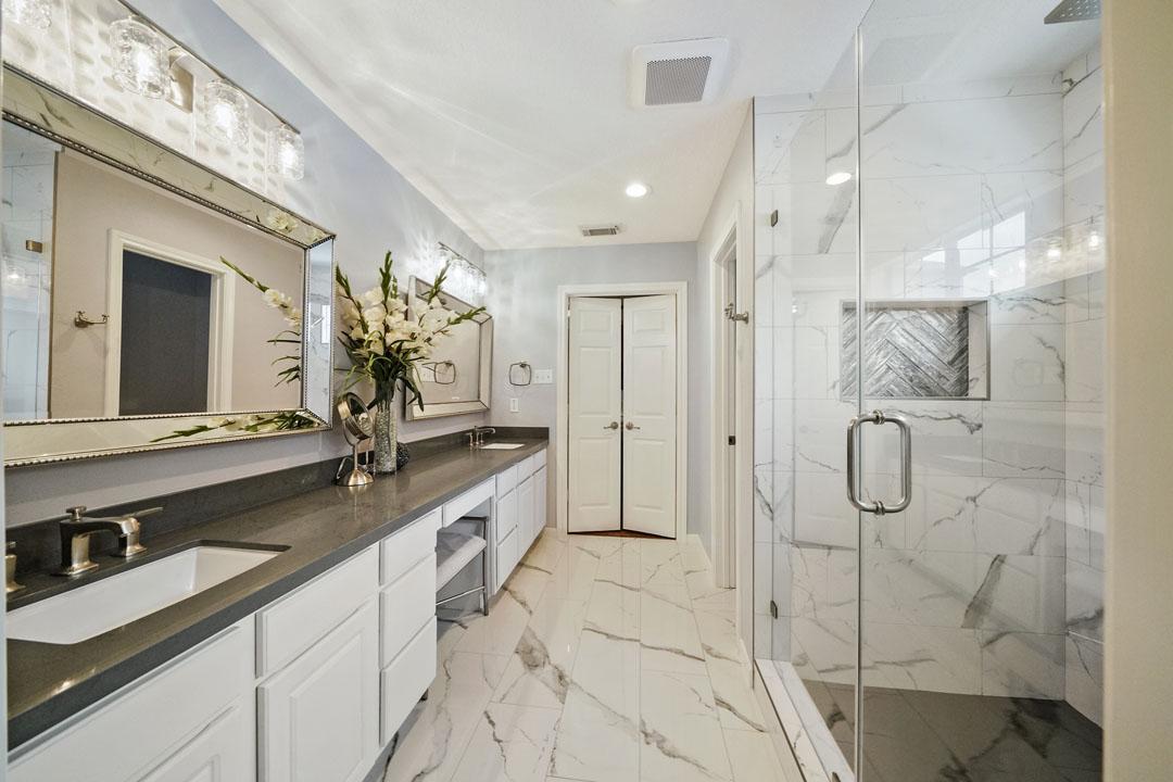 1430 W 24th St - Bathroom Remodeling Shower